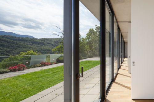 Fenêtres et portes à la française: les modèles les plus communément posés