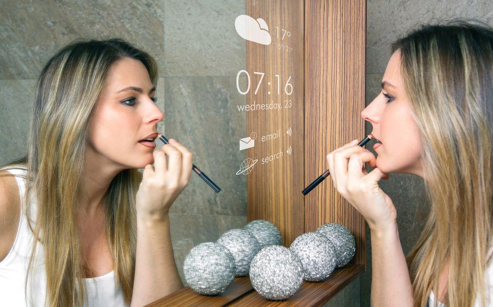 miroir connect pour salle de bain le nouveau gadget. Black Bedroom Furniture Sets. Home Design Ideas