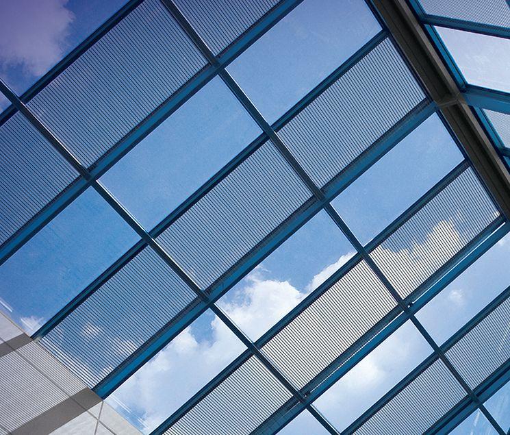 Le vitrage photovoltaïque pour alimenter un bâtiment