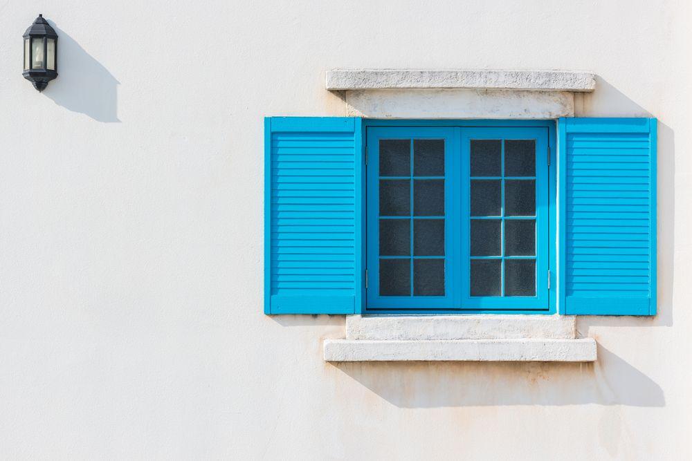 Bavette de fenêtre : l'élément essentiel pour une parfaite étanchéité
