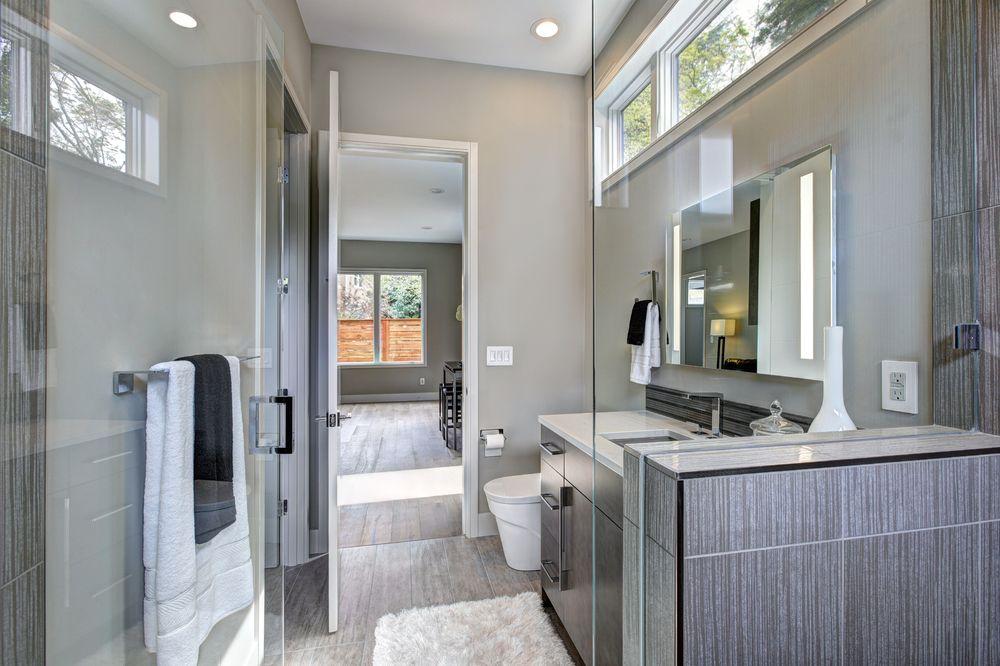 salle-de-bain-petit-espace-claire