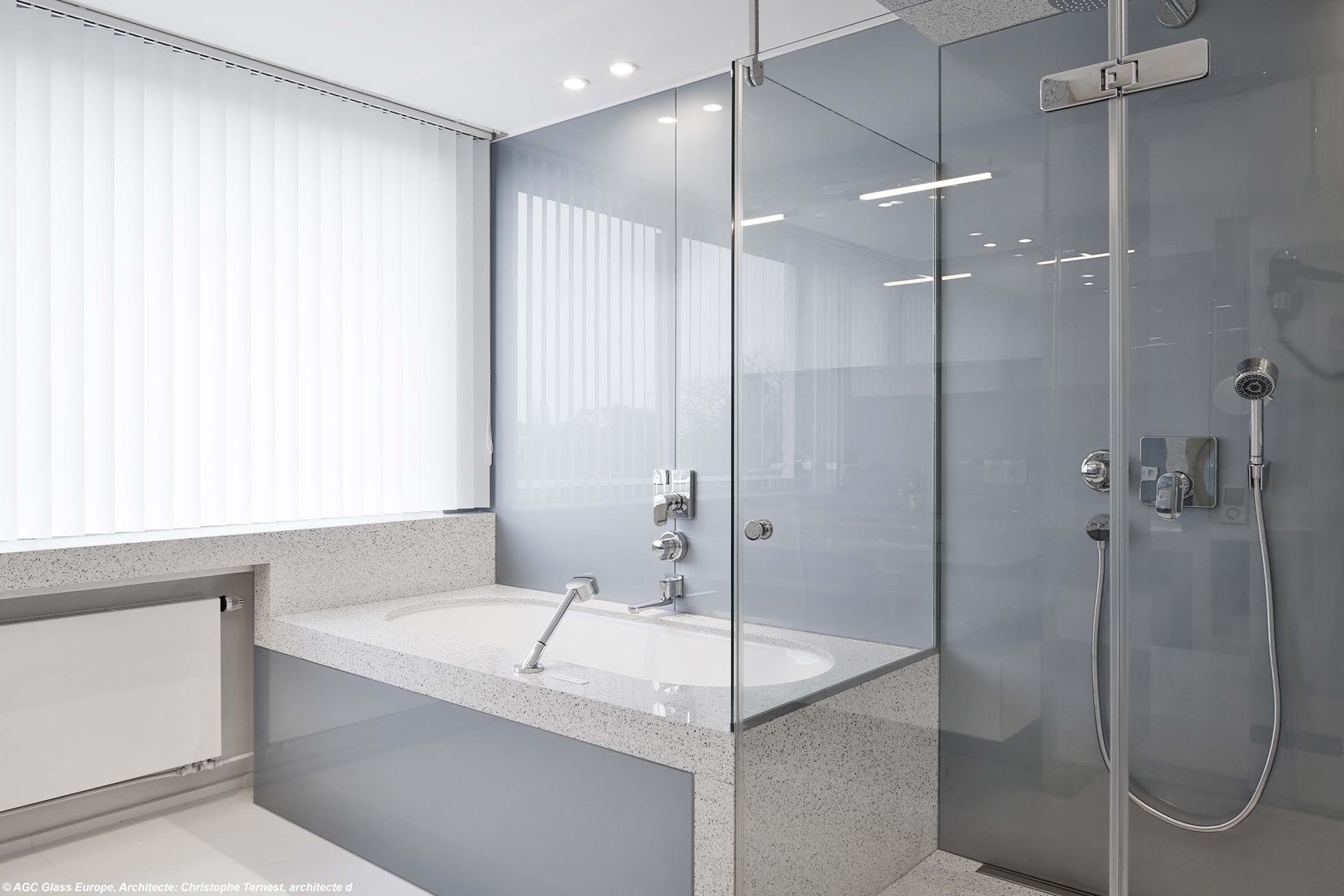 Verre De Separation Salle De Bain verre laqué : un matériau idéal pour le design intérieur
