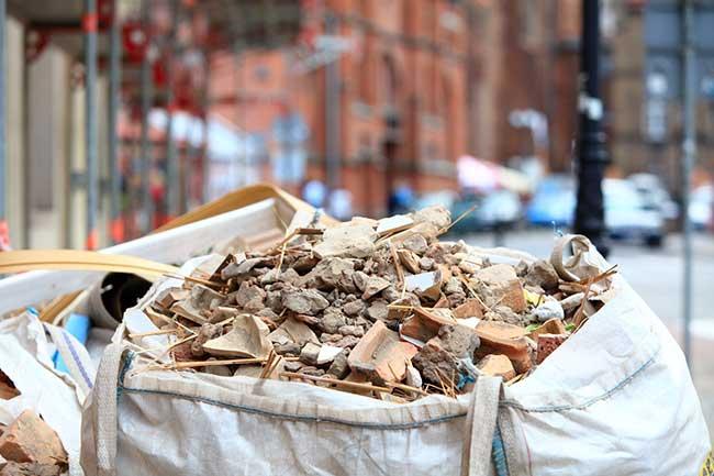 Déchets de chantier : Comment les trier et les valoriser ?
