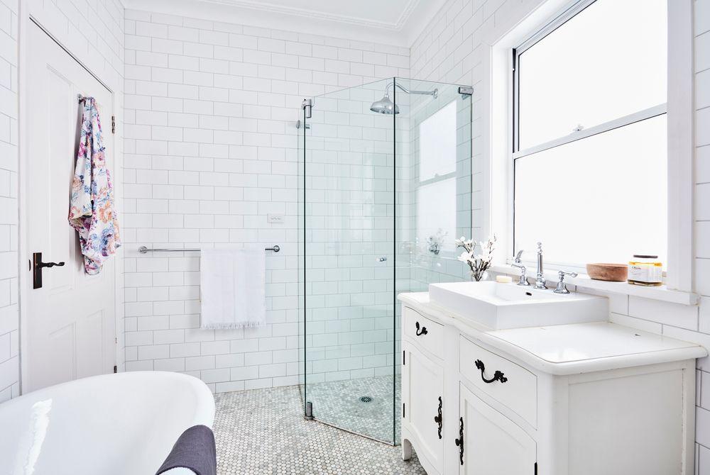 salle-de-bain-carreaux-metro-decoration