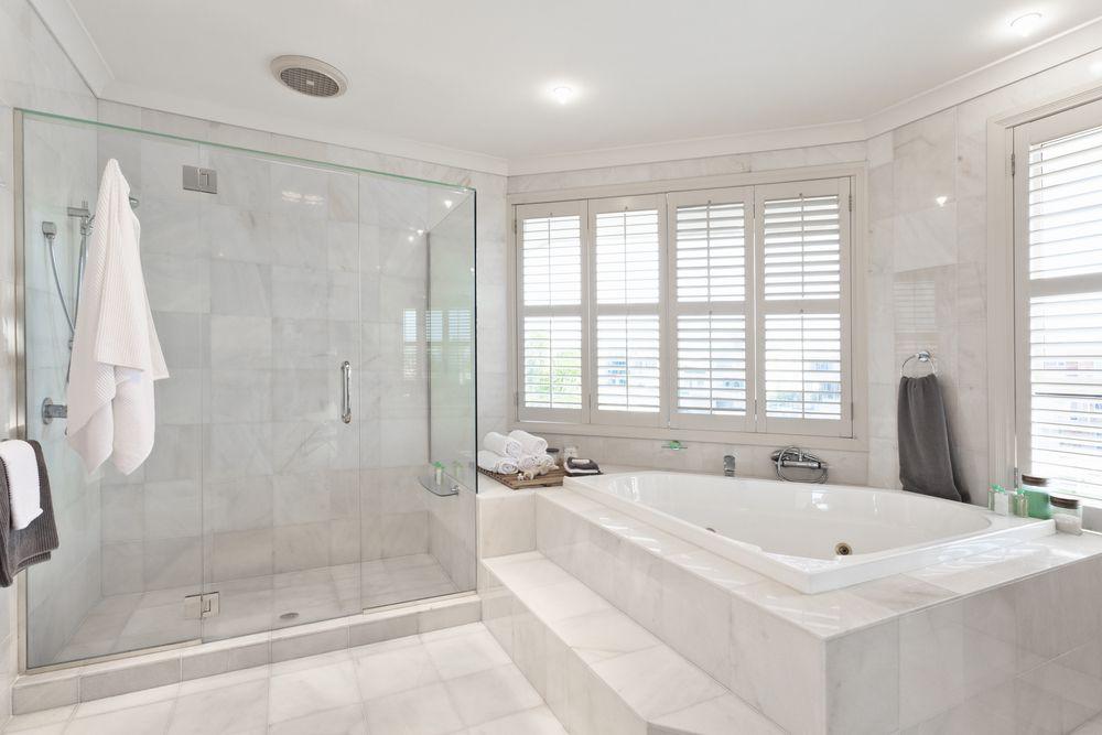 Carrelage tendance : Les incontournables pour la salle de bains