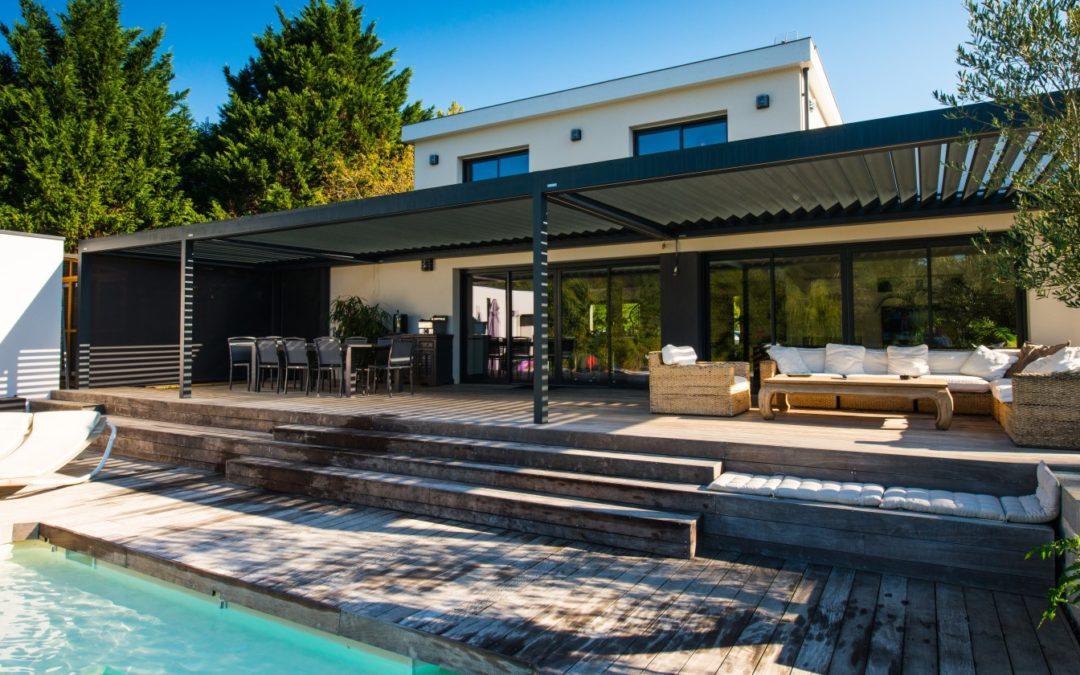 Pergola bioclimatique : la solution pour une terrasse confortable en toute saison