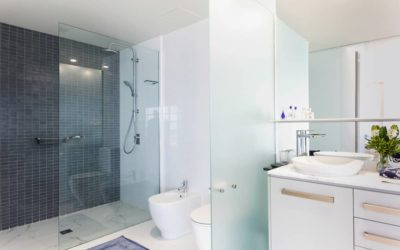 La douche à zéro ressaut : obligatoire dès 2021 !