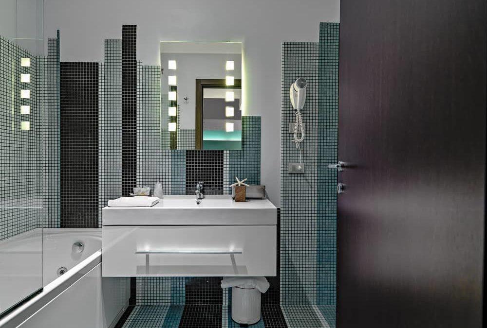 La mosaïque dans la salle de bains : un style sans pareil