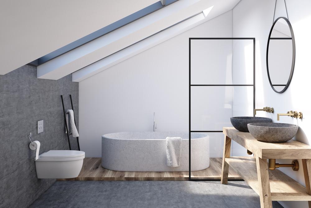Salle de bains mansardée : apprivoisez les diverses hauteurs sous plafond